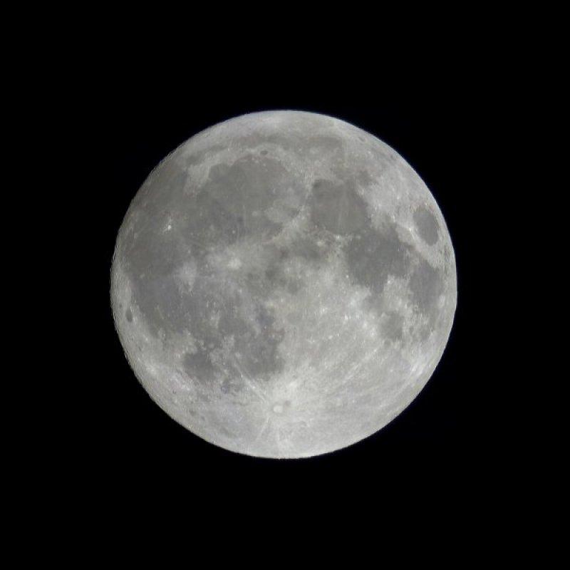 Mond -  Ein seitenrichtiges Mosaik